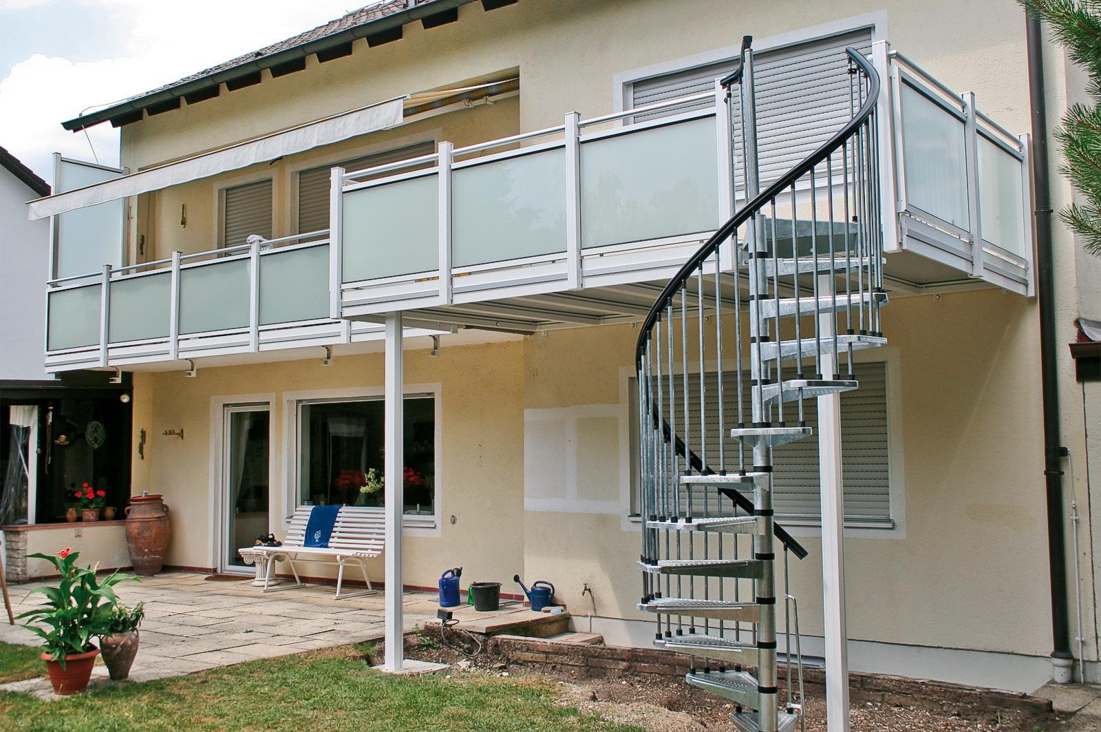 linder balkone z une alu alubalkone alu balkonanbauten alu. Black Bedroom Furniture Sets. Home Design Ideas
