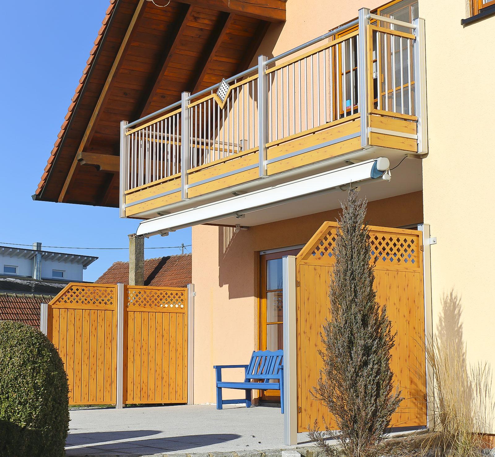 linder balkone z une alu alubalkone alu balkonanbauten alu berdachungen alu sichtschutzw nde. Black Bedroom Furniture Sets. Home Design Ideas